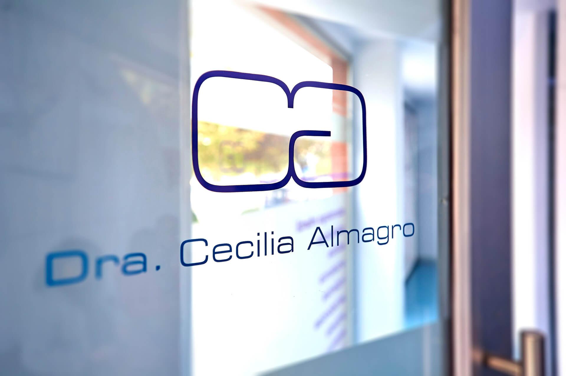 Clínica dental en Granada | Dentista Dra. Cecilia Almagro